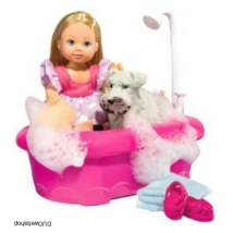 Evi Love baba fürdeti a kutyusát
