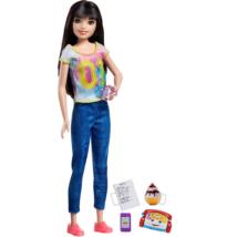 Barbie Bébiszitter baba sötét színű hajjal