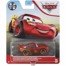 Verdák: Sáros Rusteze Villám McQueen karakter-autó 1/55 – Mattel